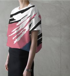baggy top tucked in black skirt_Map121